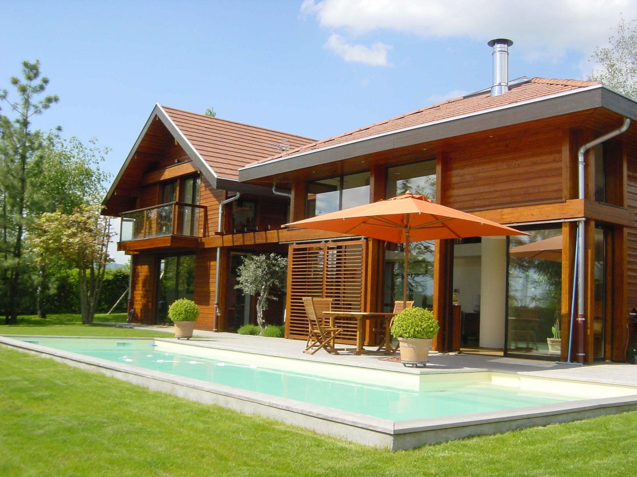 Une maison ossature bois ecologique l 39 habis - Maison autonome prix ...
