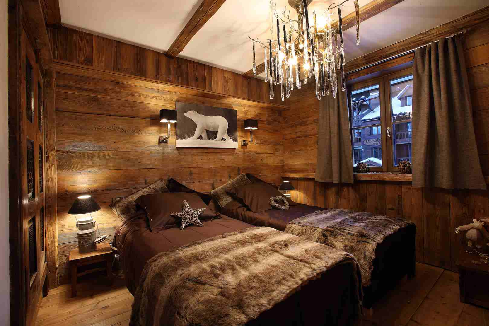 Decoration mur interieur bois l 39 habis for Decoration de chalet