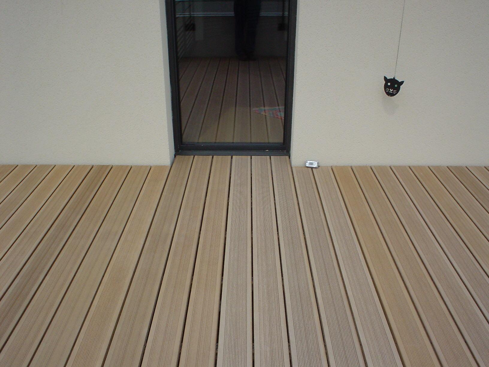 rev tement terrasse bois composite l 39 habis. Black Bedroom Furniture Sets. Home Design Ideas