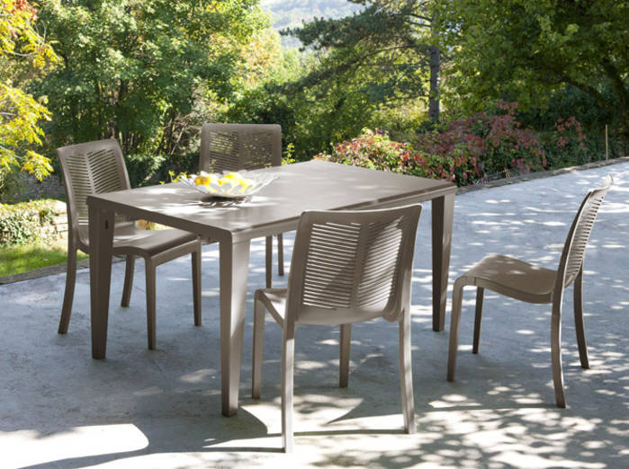 ensemble table et chaise exterieur pas cher l 39 habis. Black Bedroom Furniture Sets. Home Design Ideas