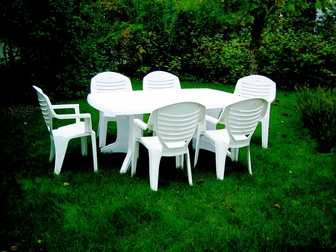 Emejing salon de jardin blanc en plastique ideas awesome - Chaise de jardin plastique blanc ...