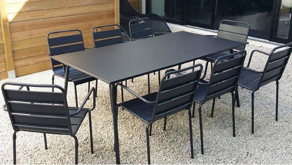 table jardin metal l 39 habis. Black Bedroom Furniture Sets. Home Design Ideas