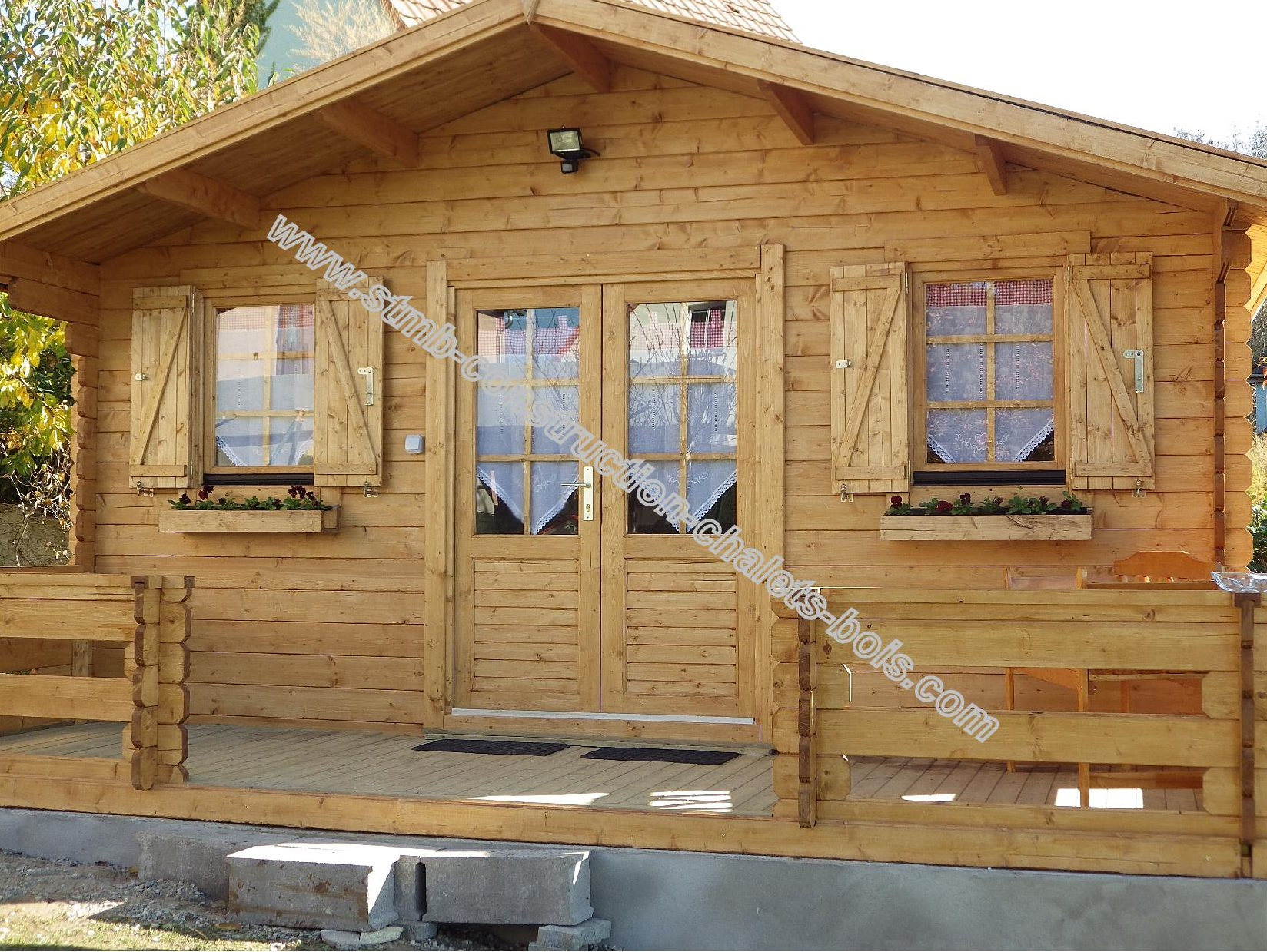 Maison bois 20m2 l 39 habis for Chalet en bois jardin