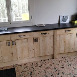 faire un meuble de cuisine en palette l 39 habis. Black Bedroom Furniture Sets. Home Design Ideas