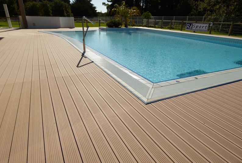bois composite pour terrasse exterieur l 39 habis. Black Bedroom Furniture Sets. Home Design Ideas